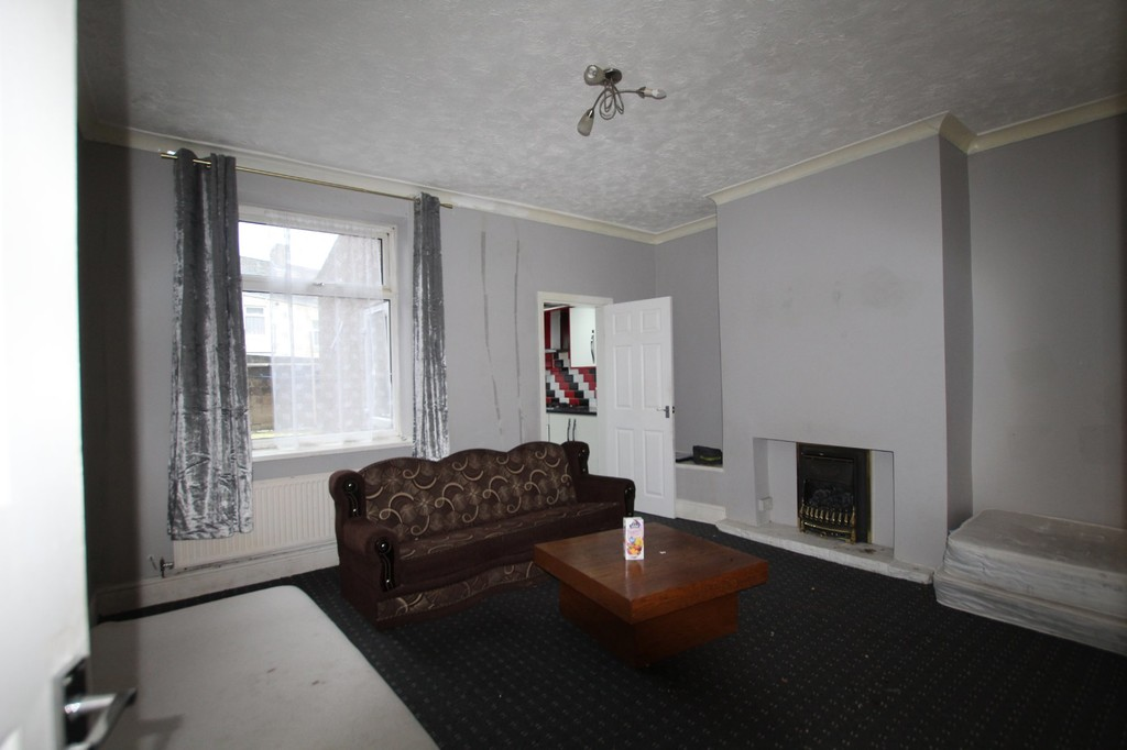 3 bedroom mid terraced house For Sale in Accrington - photograph 2.