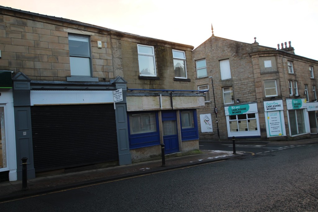 Undefined To Let in Accrington - photograph 5.
