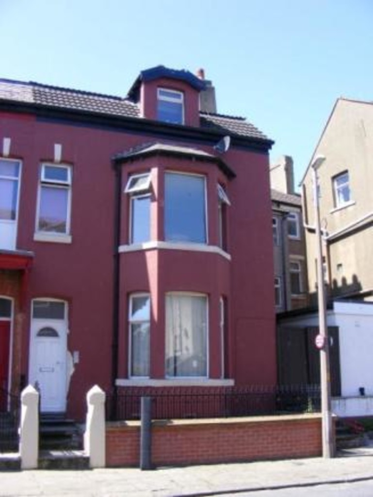 Apartment Flat For Sale in Fleetwood - Main Image.