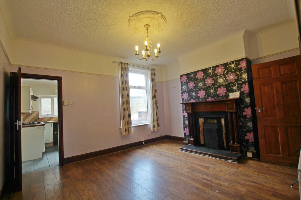 2 bedroom mid terraced house For Sale in Accrington - photograph 3.