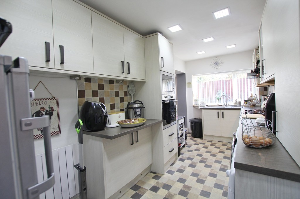 3 bedroom semi-detached house For Sale in Accrington - photograph 9.