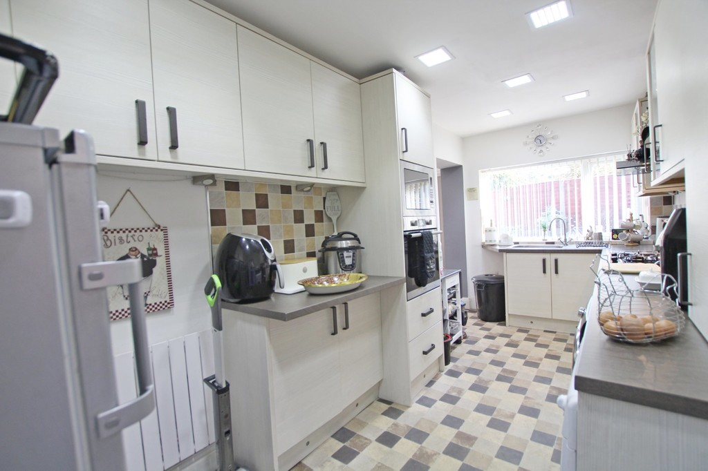 3 bedroom semi-detached house For Sale in Accrington - photograph 15.