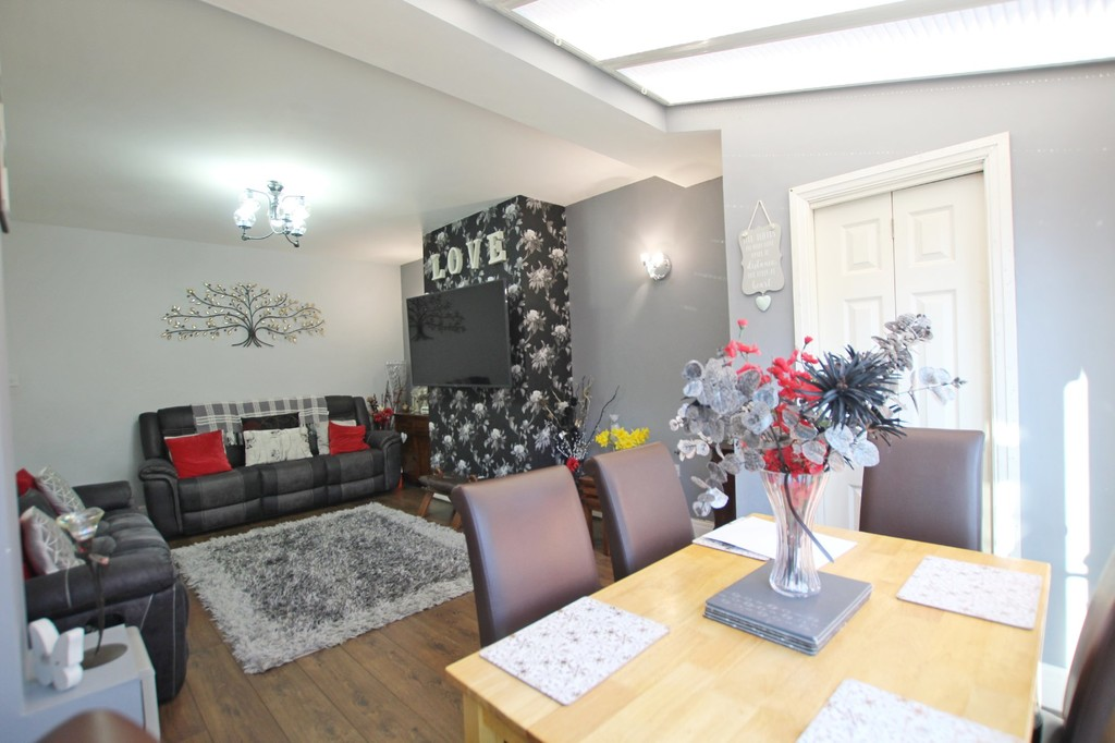 3 bedroom semi-detached house For Sale in Accrington - photograph 18.