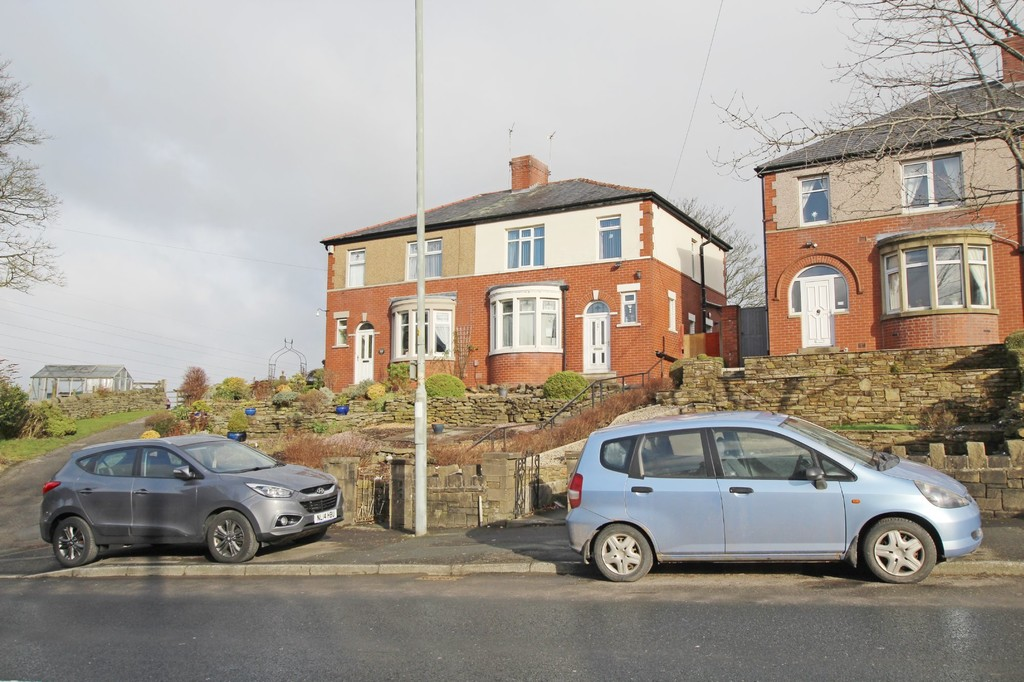 3 bedroom semi-detached house For Sale in Accrington - photograph 1.