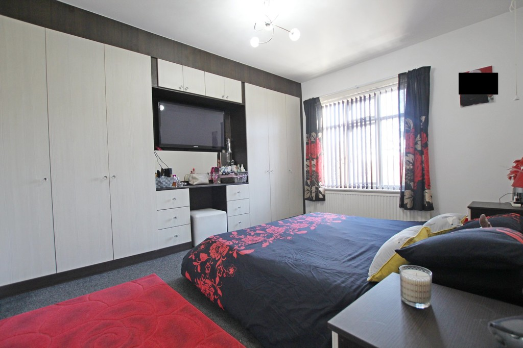 3 bedroom semi-detached house For Sale in Accrington - photograph 5.