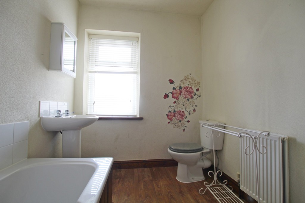 2 bedroom mid terraced house Let Agreed in Accrington - photograph 8.