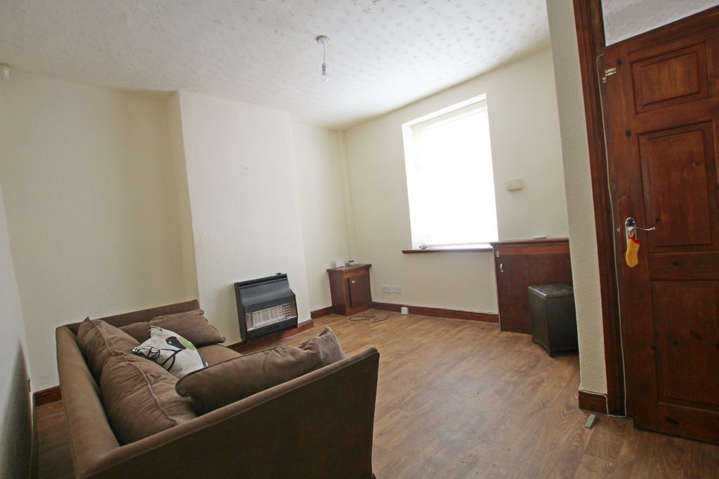 2 bedroom mid terraced house Let Agreed in Accrington - photograph 2.