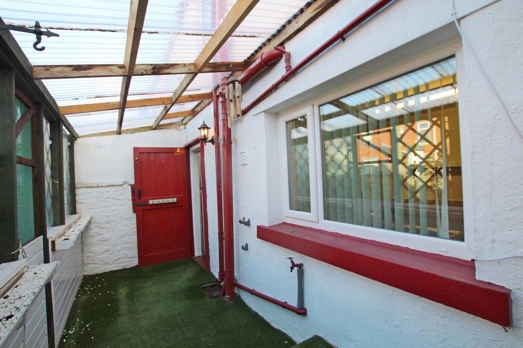 2 bedroom cottage house For Sale in Accrington - photograph 16.