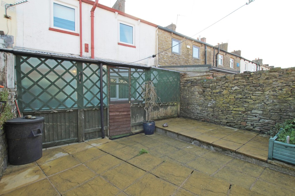2 bedroom cottage house For Sale in Accrington - photograph 11.