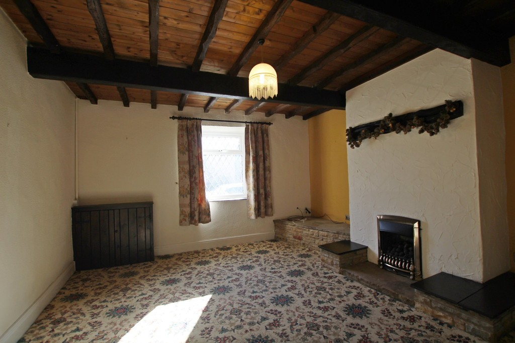 2 bedroom cottage house For Sale in Accrington - photograph 12.