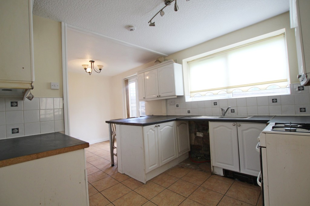 3 bedroom semi-detached house To Let in Accrington - photograph 4.