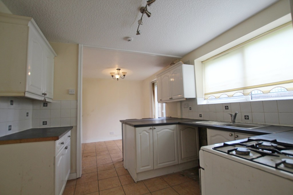 3 bedroom semi-detached house To Let in Accrington - photograph 5.