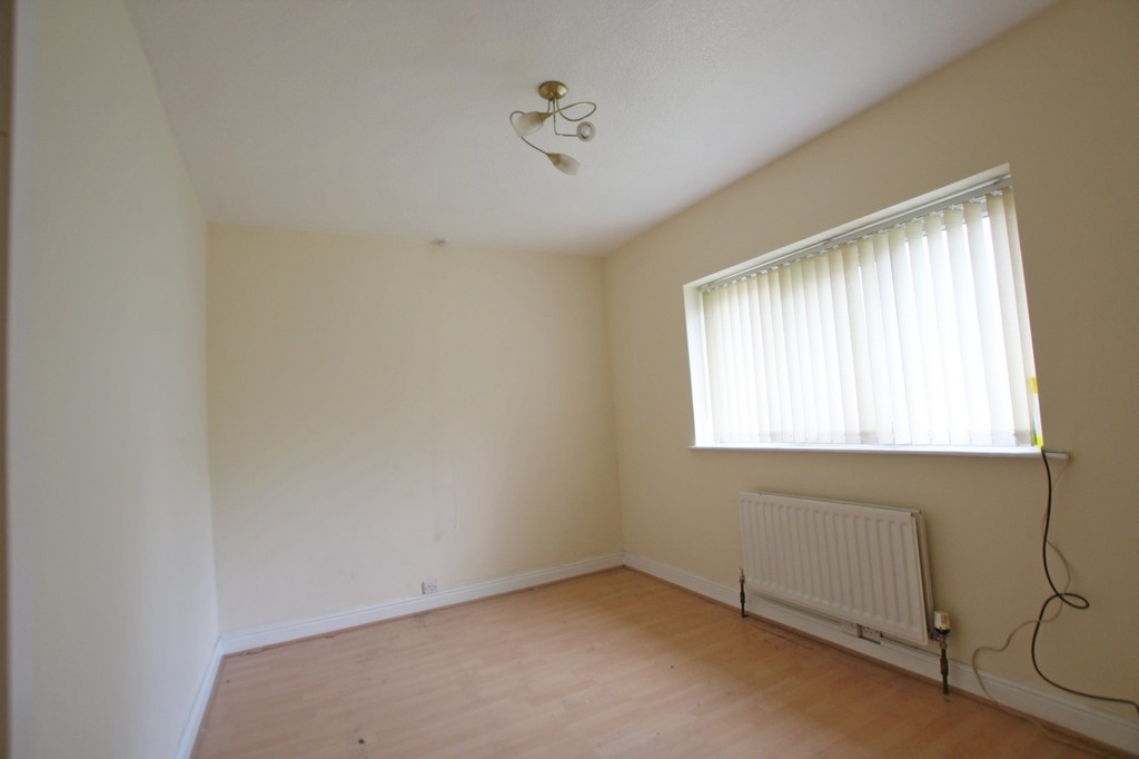 3 bedroom semi-detached house To Let in Accrington - photograph 8.