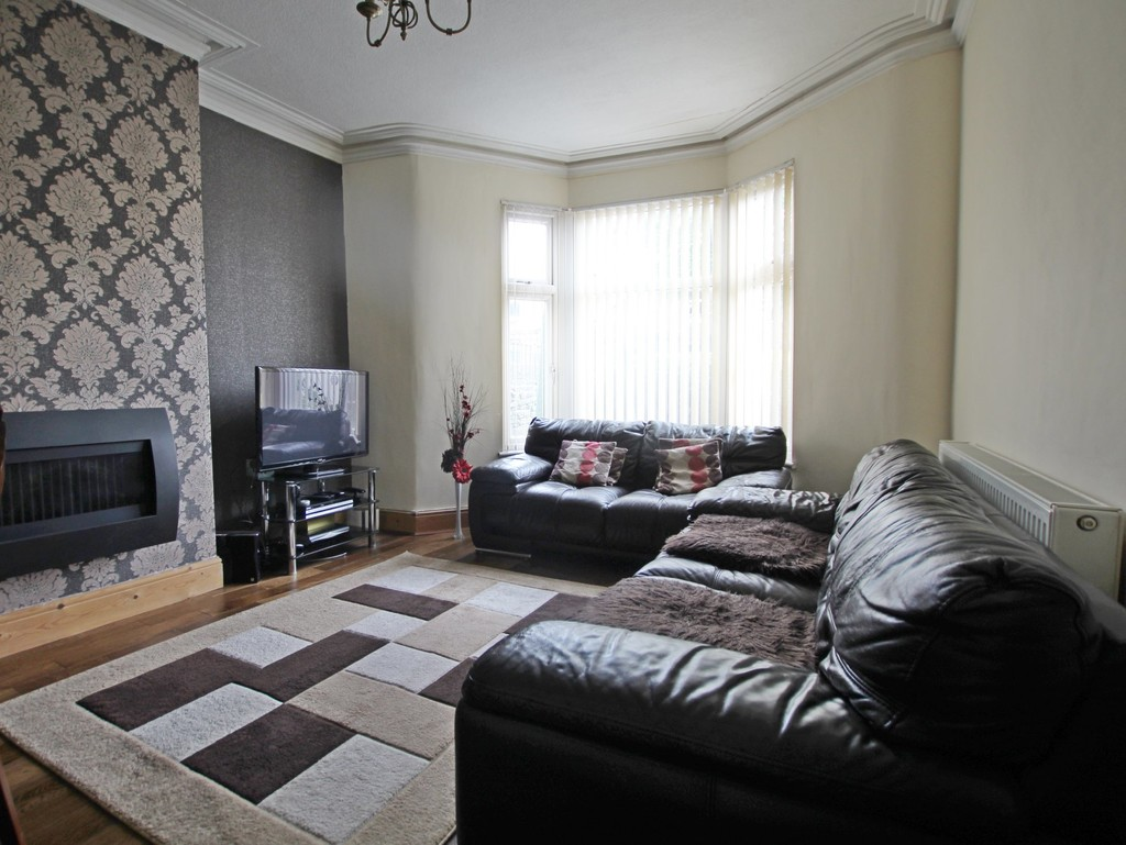3 bedroom end terraced house For Sale in Accrington - photograph 3.