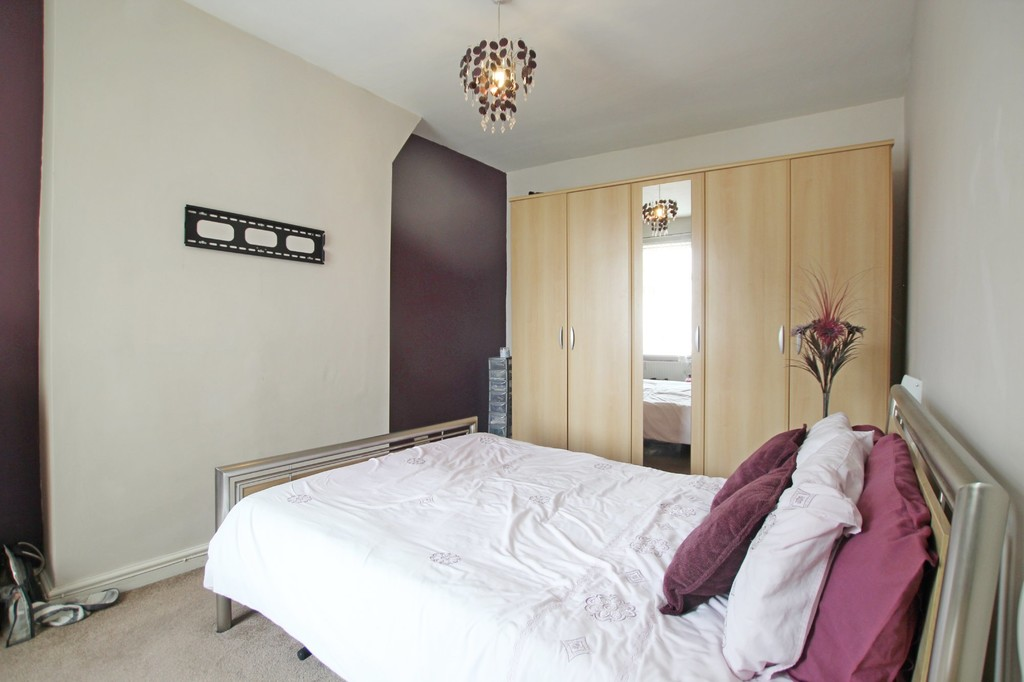 3 bedroom end terraced house For Sale in Accrington - photograph 8.