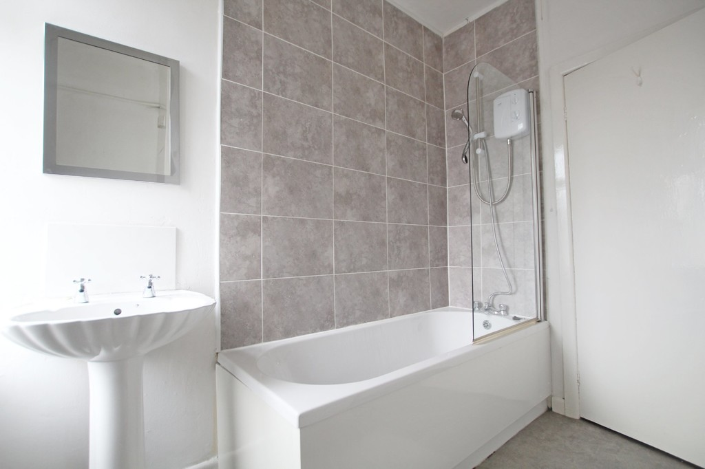 2 bedroom mid terraced house For Sale in Accrington - photograph 13.