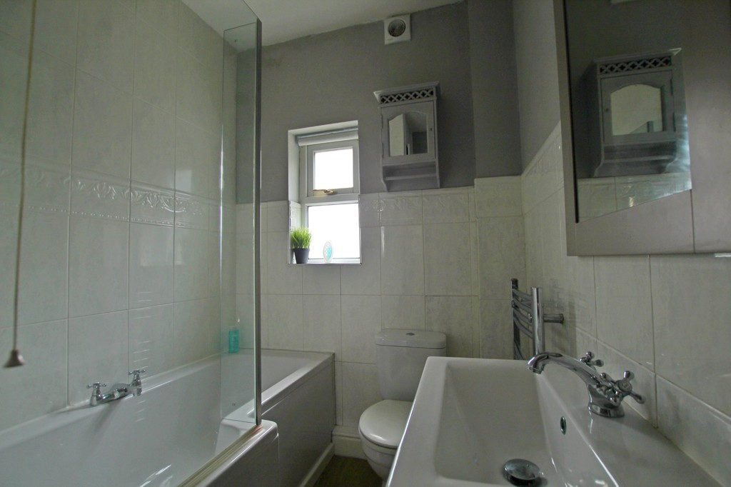 2 bedroom semi-detached house For Sale in Clitheroe - photograph 6.