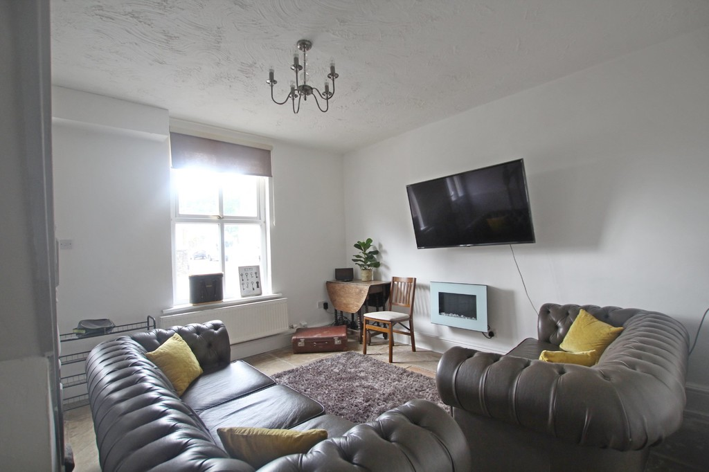 2 bedroom semi-detached house For Sale in Clitheroe - photograph 1.