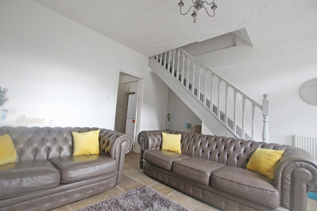2 bedroom semi-detached house For Sale in Clitheroe - photograph 2.