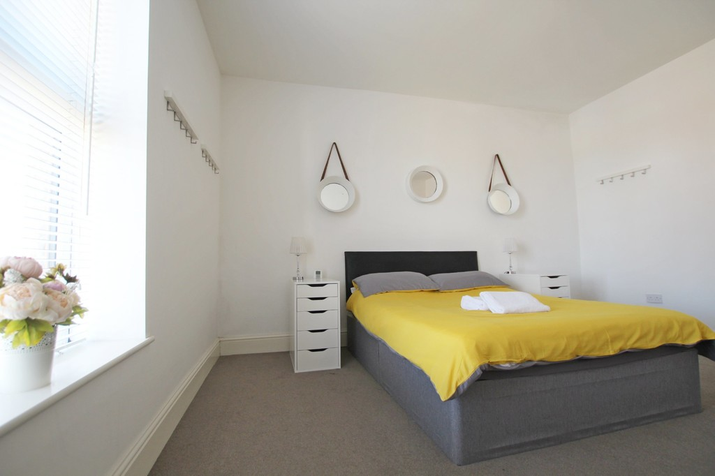 2 bedroom mid terraced house For Sale in Accrington - photograph 8.
