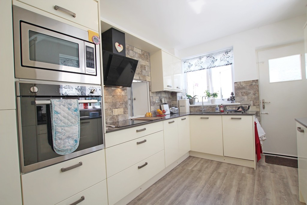 3 bedroom semi-detached house SSTC in Baxenden - photograph 5.