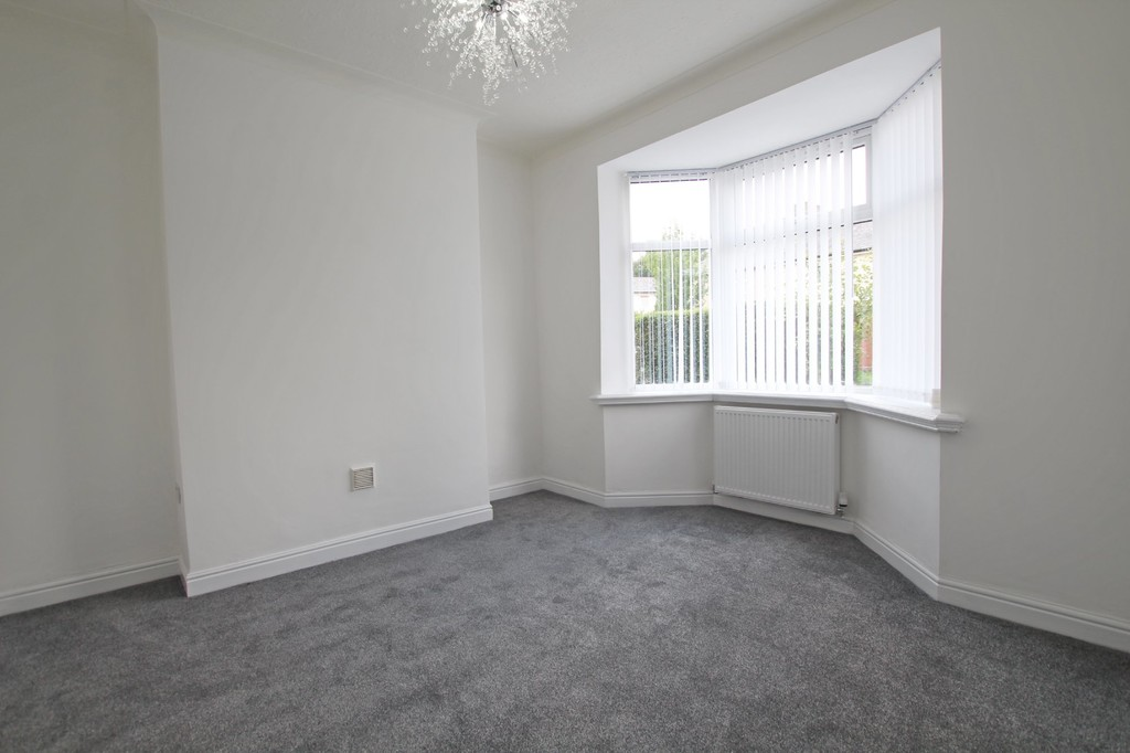 3 bedroom mid terraced house SSTC in Accrington - photograph 2.