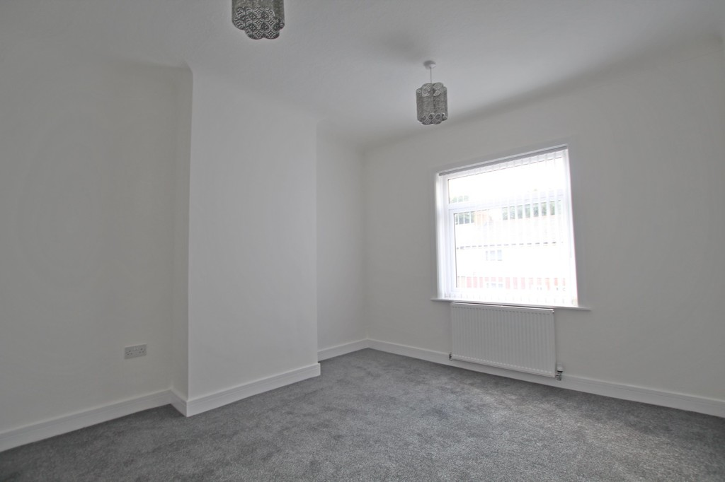 3 bedroom mid terraced house SSTC in Accrington - photograph 9.