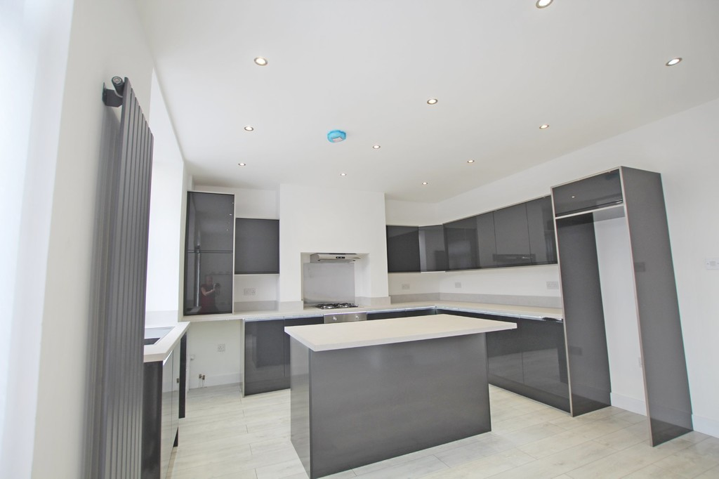 3 bedroom mid terraced house SSTC in Accrington - photograph 8.