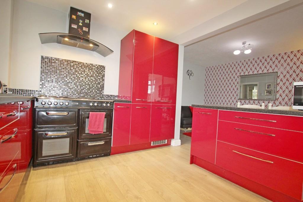 3 bedroom semi-detached bungalow bungalow For Sale in Accrington - photograph 7.