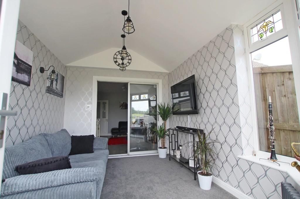 3 bedroom semi-detached bungalow bungalow For Sale in Accrington - photograph 4.