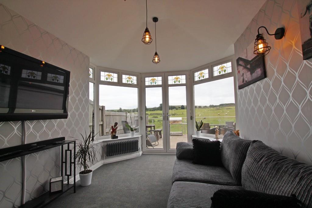 3 bedroom semi-detached bungalow bungalow For Sale in Accrington - photograph 6.