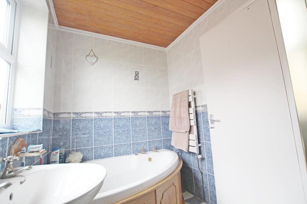 3 bedroom semi-detached bungalow bungalow For Sale in Accrington - photograph 12.