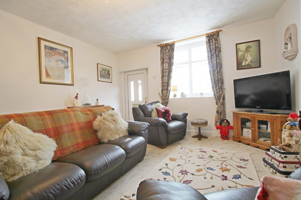 3 bedroom town house Under Offer in Accrington - photograph 2.
