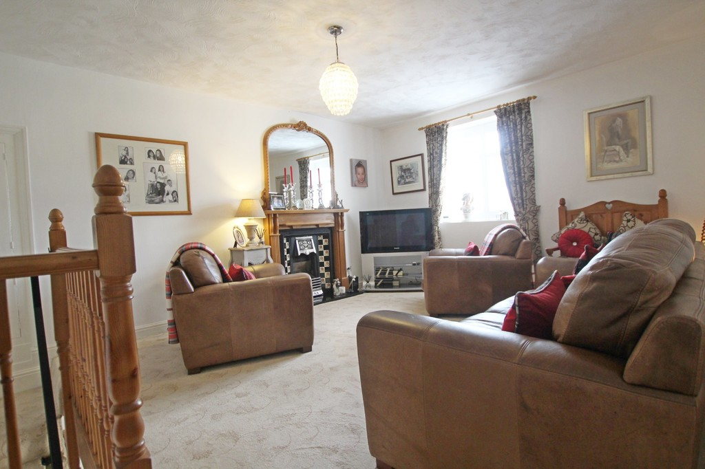 3 bedroom town house Under Offer in Accrington - photograph 15.