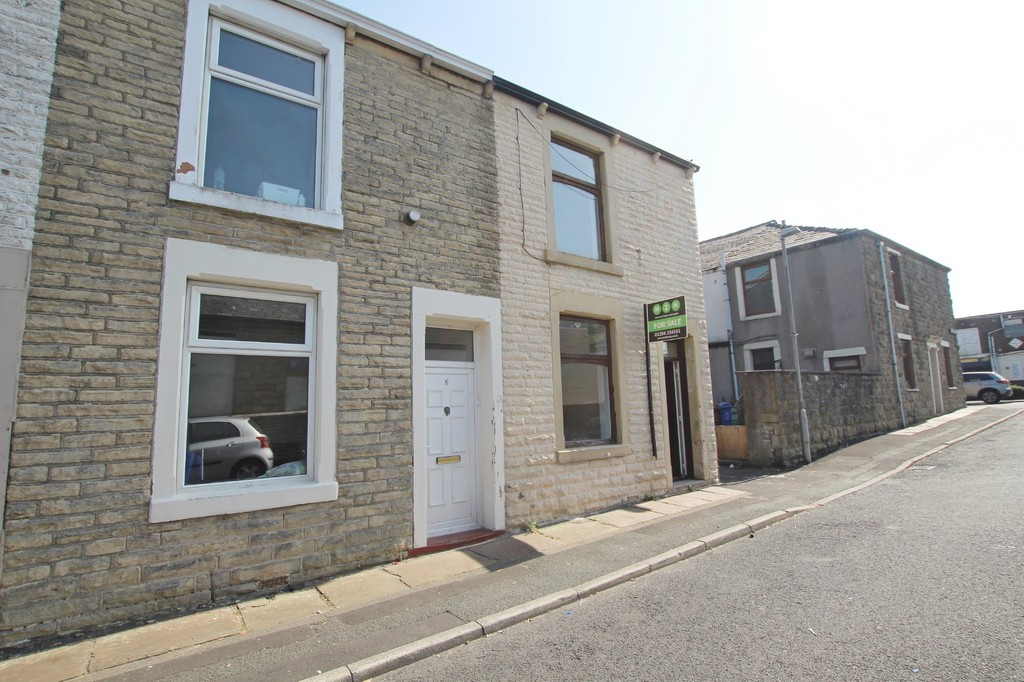 2 bedroom end terraced house For Sale in Accrington - Main Image.