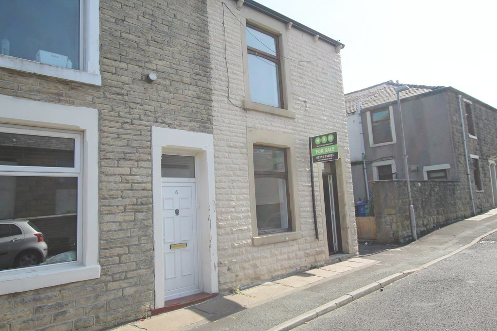 2 bedroom end terraced house For Sale in Accrington - photograph 2.