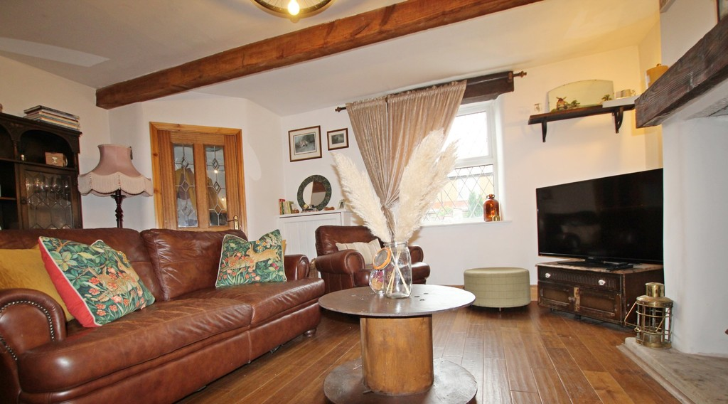 2 bedroom cottage house For Sale in Accrington - photograph 2.