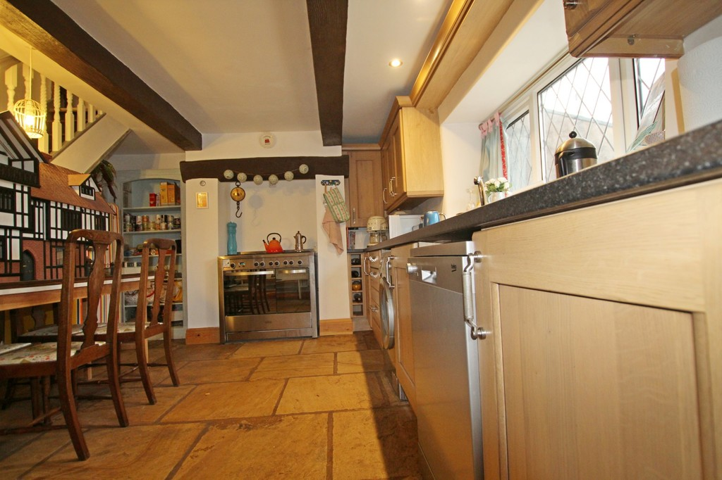 2 bedroom cottage house For Sale in Accrington - photograph 8.