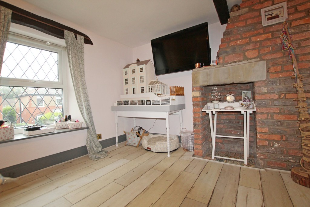 2 bedroom cottage house For Sale in Accrington - photograph 10.