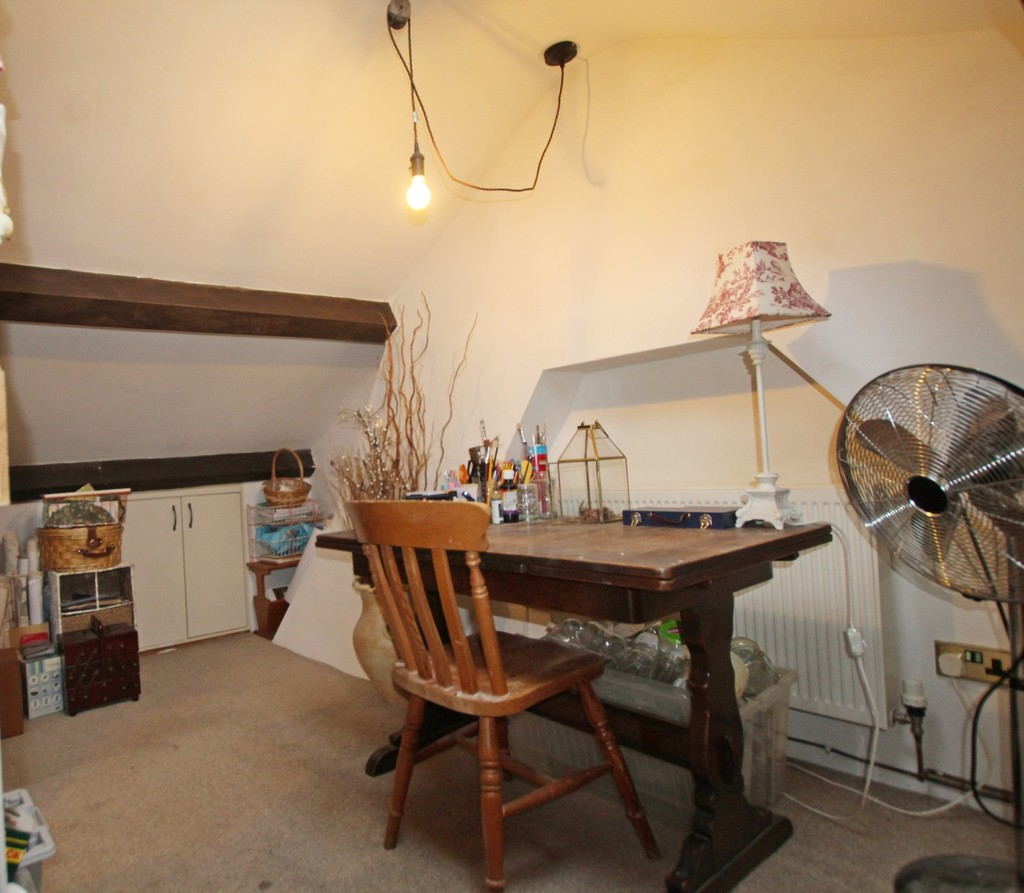 2 bedroom cottage house For Sale in Accrington - photograph 18.
