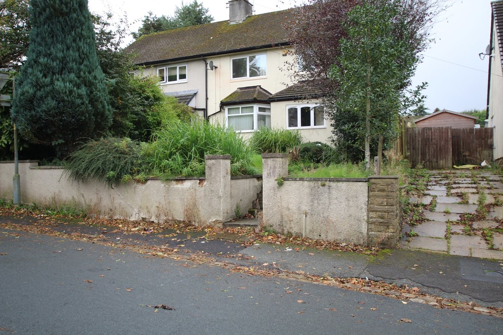4 bedroom semi-detached house For Sale in Accrington - Main Image.