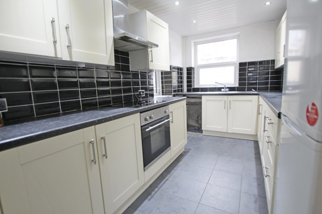 3 bedroom mid terraced house SSTC in Accrington - photograph 5.