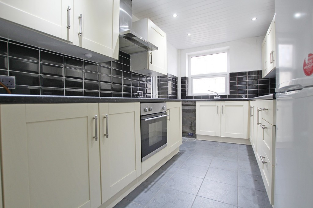 3 bedroom mid terraced house SSTC in Accrington - photograph 14.