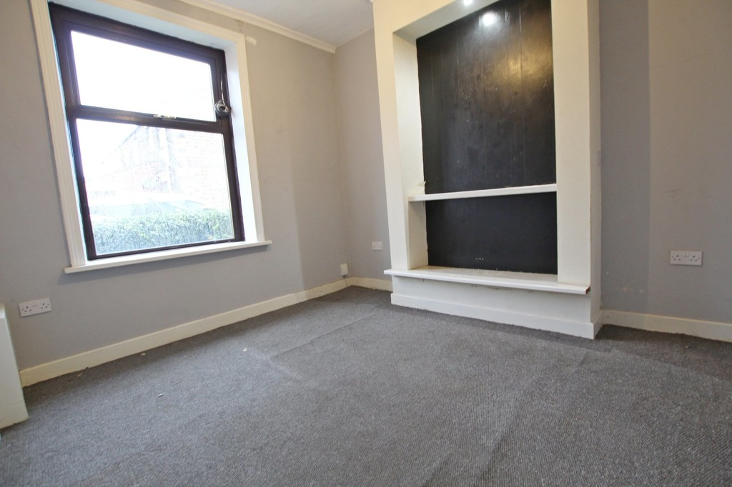3 bedroom mid terraced house SSTC in Accrington - photograph 15.