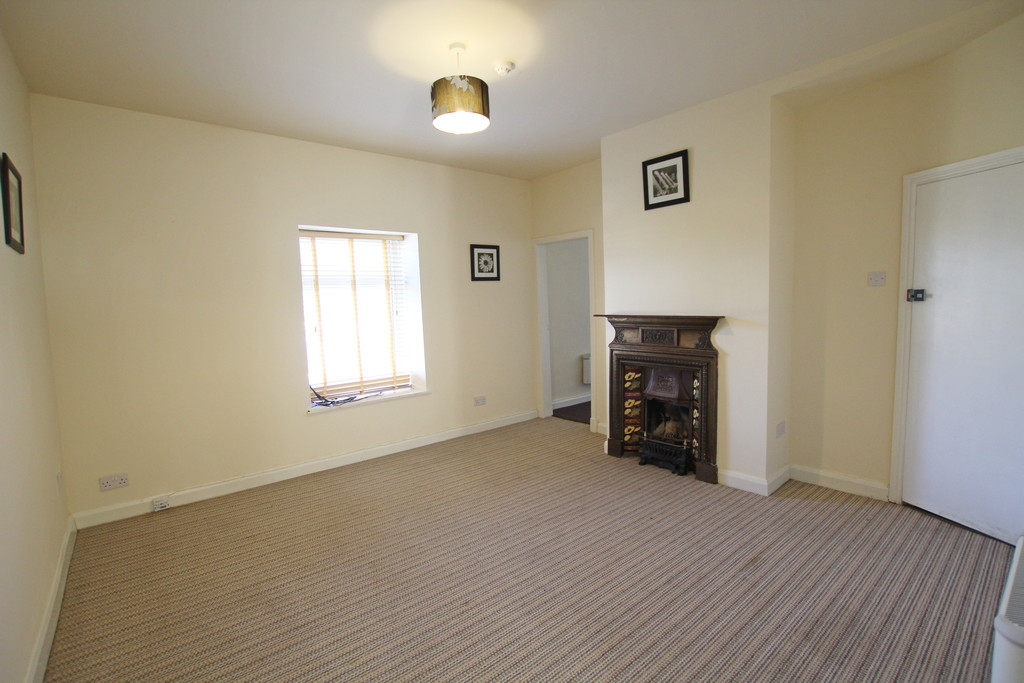 1 bedroom flat Let Agreed in Accrington - photograph 3.
