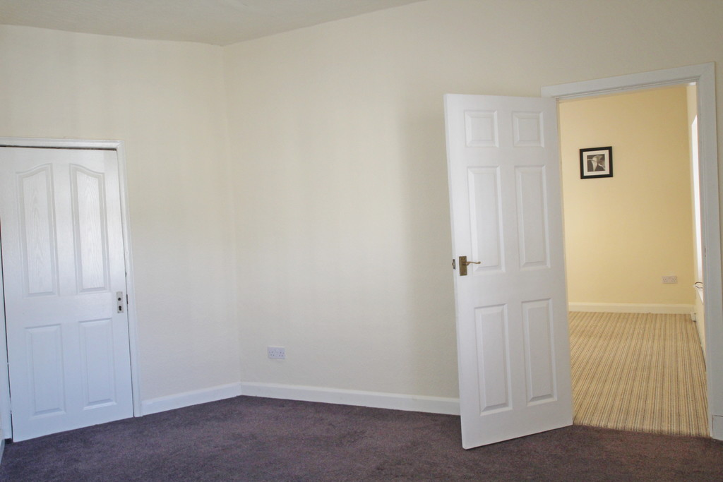 1 bedroom flat Let Agreed in Accrington - photograph 6.
