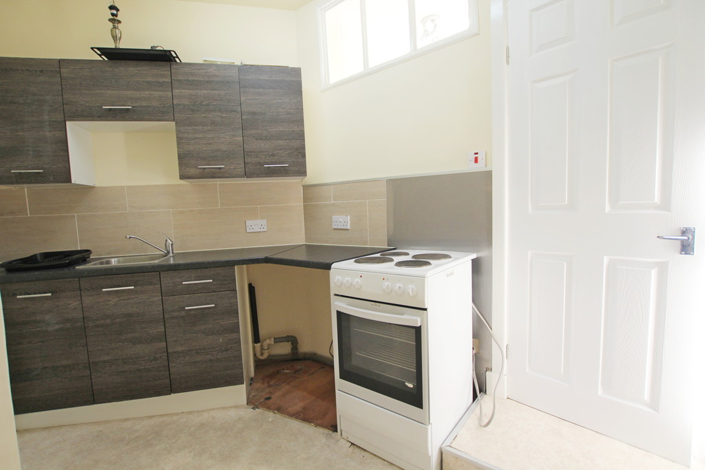 1 bedroom flat Let Agreed in Accrington - photograph 7.