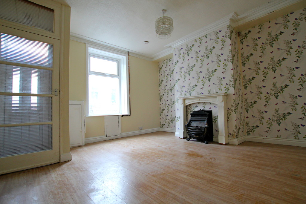 2 bedroom mid terraced house To Let in Accrington - photograph 2.