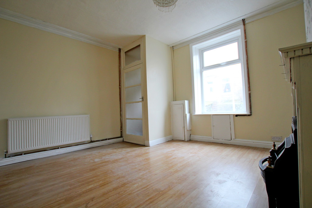 2 bedroom mid terraced house To Let in Accrington - photograph 4.