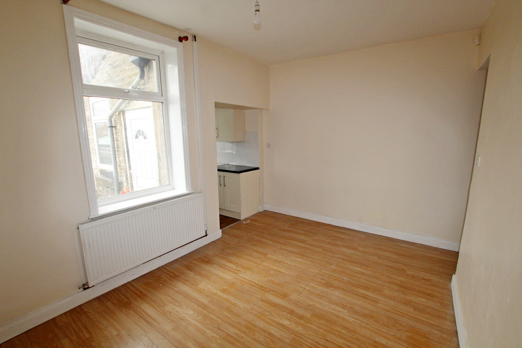 2 bedroom mid terraced house To Let in Accrington - photograph 6.
